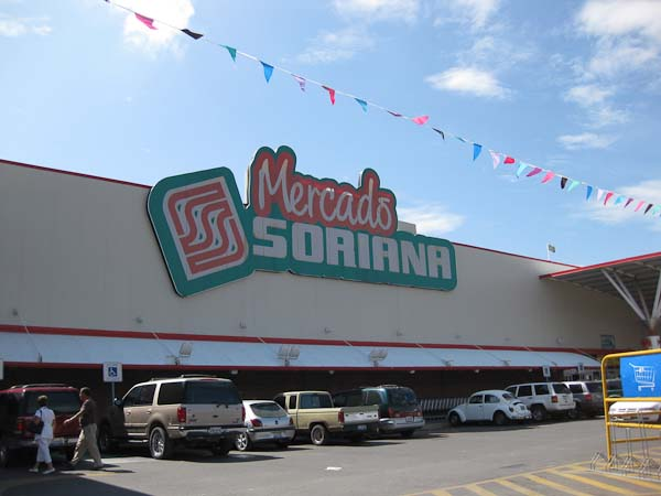 Sorianas in Chapala.