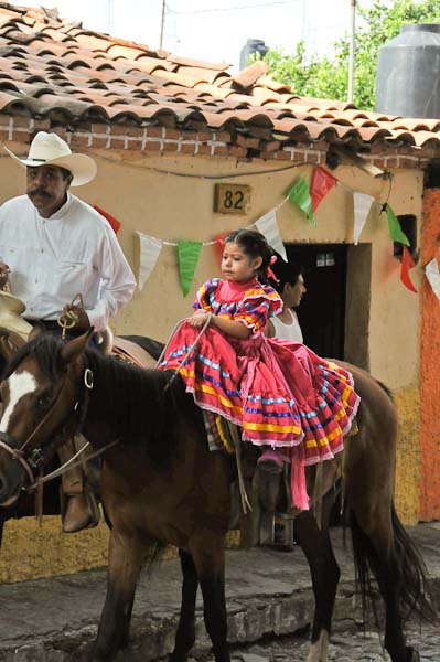 Charros and daughter.  Such beauty.