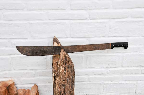 We'll start with the machete.  A simple tool used for most everything here in Mexico.